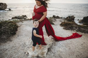 maternity photographer Rockingham